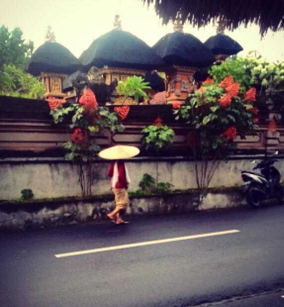 Bali- this woman rocked a huge hat